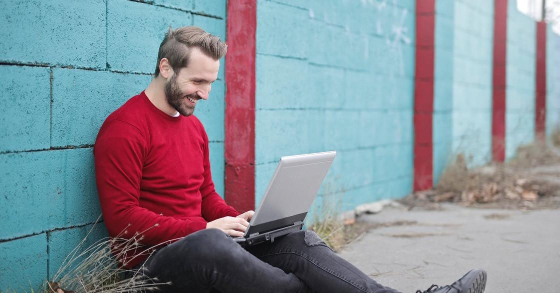 Badania satysfakcji z wykonywanej pracy: Programiści zadowoleni najbardziej [RAPORT]