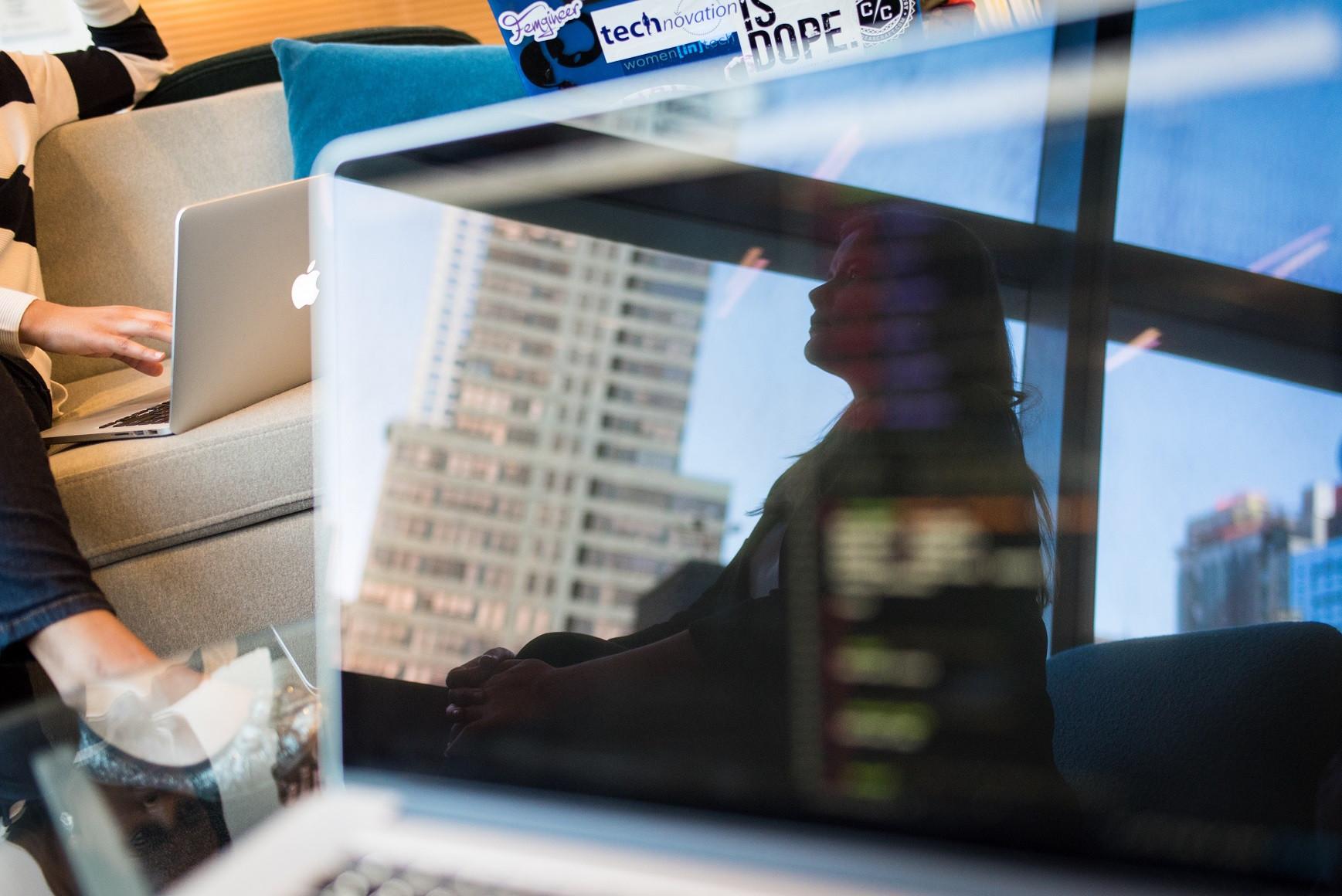 Polscy pracownicy chcą uczyć się programowania i języków obcych